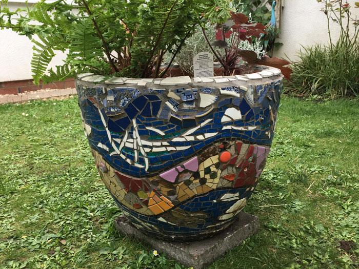 seadragon mosaic pot rear view