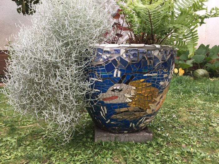 seadragon mosaic pot